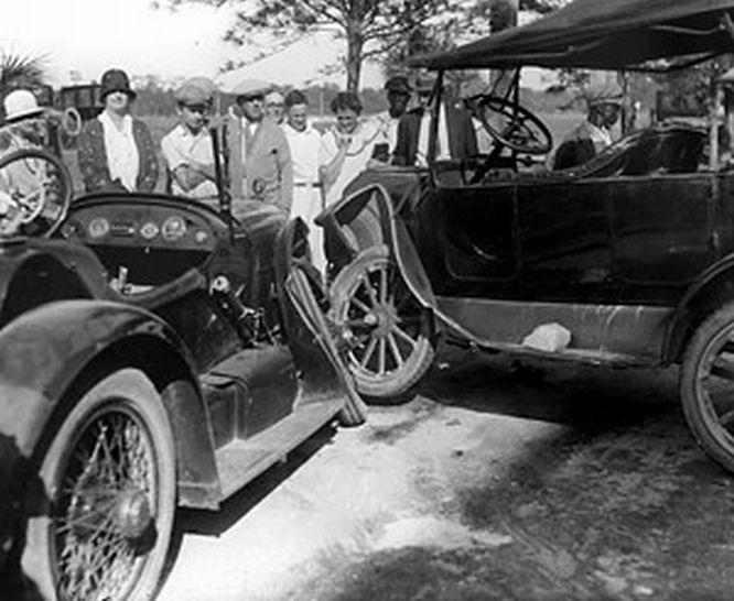 23 best classic car wrecks images on pinterest vintage cars vintage auto and abandoned cars. Black Bedroom Furniture Sets. Home Design Ideas