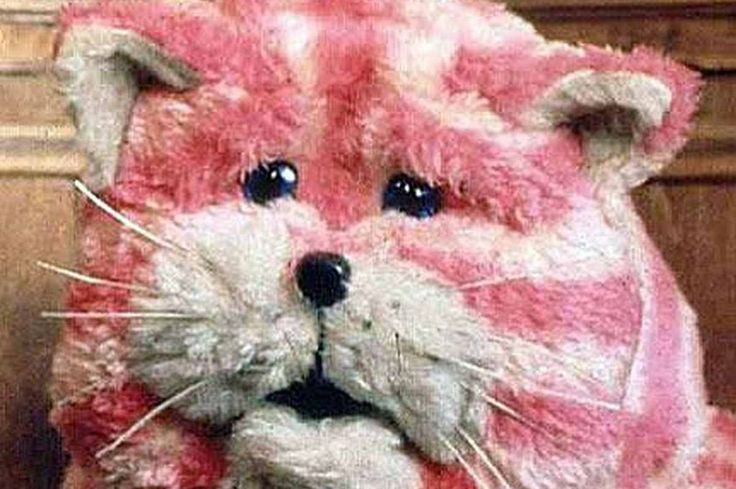 Bagpuss, my favorite cat of all time:)