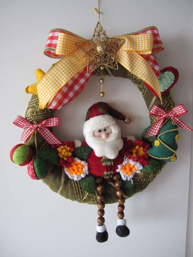 """Guirlanda de Natal de Feltro 2"" (Christmas Wreath) - by Patricia Wong."