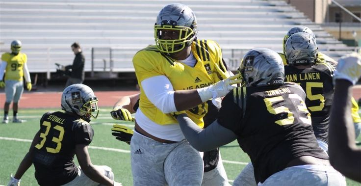 Ross Blacklock, 4-star DT, commits to TCU at Army Bowl = Ross Blacklock, 4-star defensive tackle from Missouri City, Texas (Elkins), committed to TCU earlier this afternoon at the U.S. Army All-American game.....
