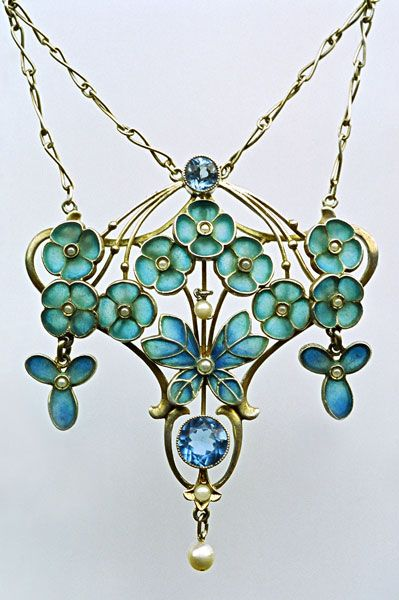 LEVINGER & BISSINGER. Jugendstil Butterfly Pendant. Silver, Plique-à-jour enamel, pearl.  Unsigned. German, c.1900. #Jugendstil #ArtNouveau #pendant #Levinger #Bissinger