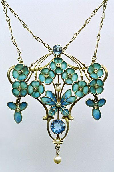 Jugendstil Butterfly Pendant c1900 | LEVINGER & BISSINGER | silver, plique-à-jour enamel, pearls: