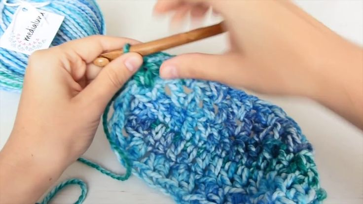 How to crochet a mermaid tail blanket, mermaid blanket. Easy pattern for beginners, step by step tutorial. Just grab your yarn and hook and let's make our me...
