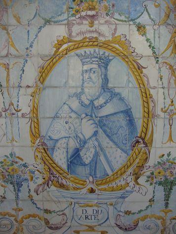 D. DUARTE –  Painel de azulejos no Jardim do Palácio  Galveias, Lisboa.