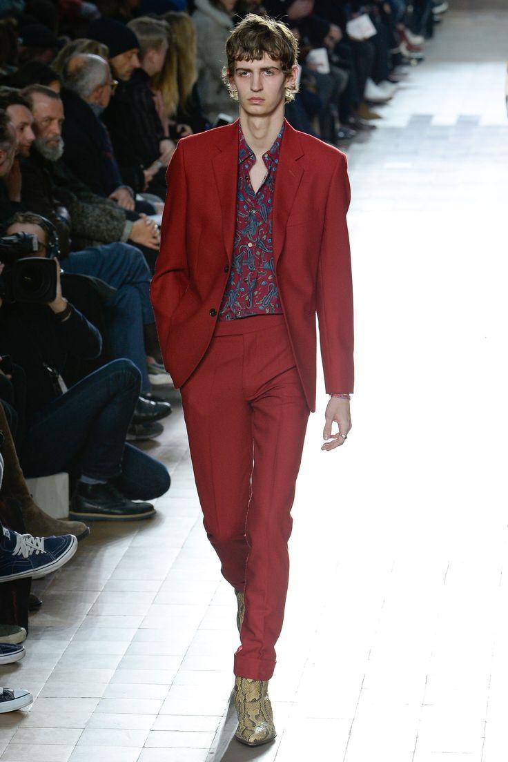 #Farbberatung #Stilberatung #Farbenreich mit www.farben-reich.com See the complete Paul Smith Fall 2017 Menswear collection.