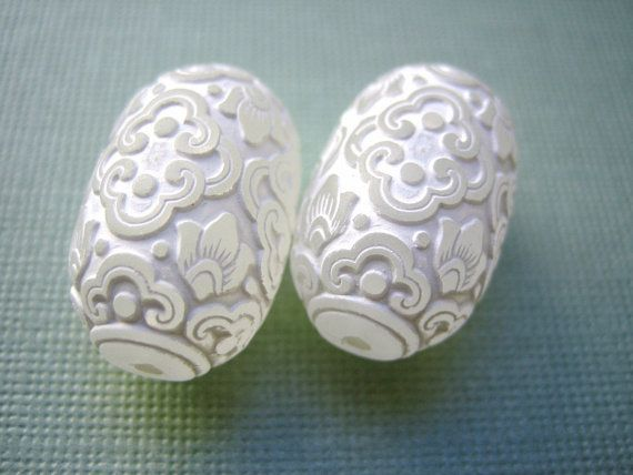 Vintage lucite beads ornate carved matte white by a2zDesigns, $4.50