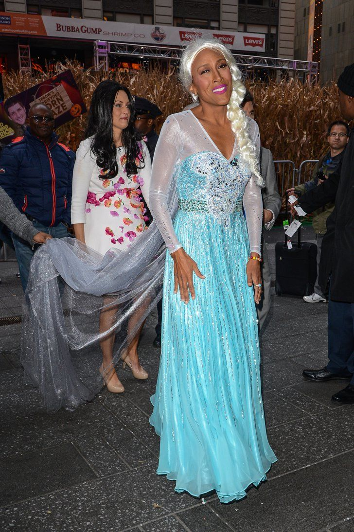 Pin for Later: The Good Morning America Crew Went All Out For Halloween This Year Robin Roberts as Elsa