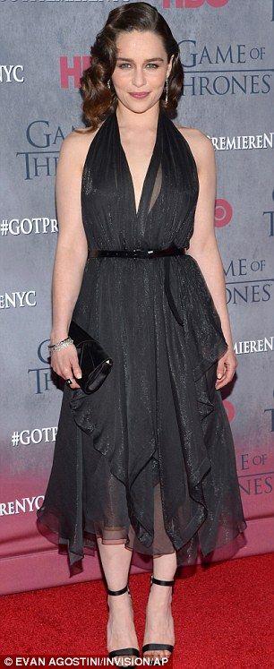 Spielen ihre Karten richtig: Game Of Thrones Königinnen Emelia Clarke und Lena Headey sah am Dienstag, hinreißend in der Saison vier Premiere in New York