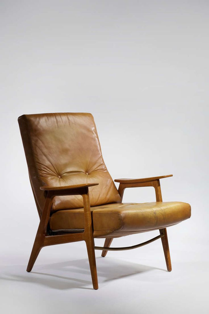 Very comfortable pair of 1950s french reclining leather armchairs - Pair Of 1950s Vend Me Chairs By Pierre Guariche