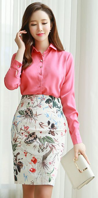 StyleOnme_Floral Print High-Waisted Pencil Skirt #white #floral #pencilskirt #elegant #pretty #feminine #koreanfashion #spring #kstyle #seoul #kfashion