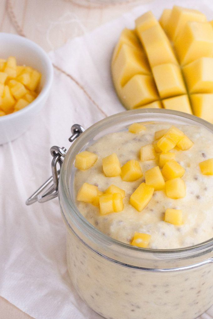Sommerlicher Mango-Lassi Chia Pudding. Schnell, einfach, 5 Zutaten - kochkarussell.com