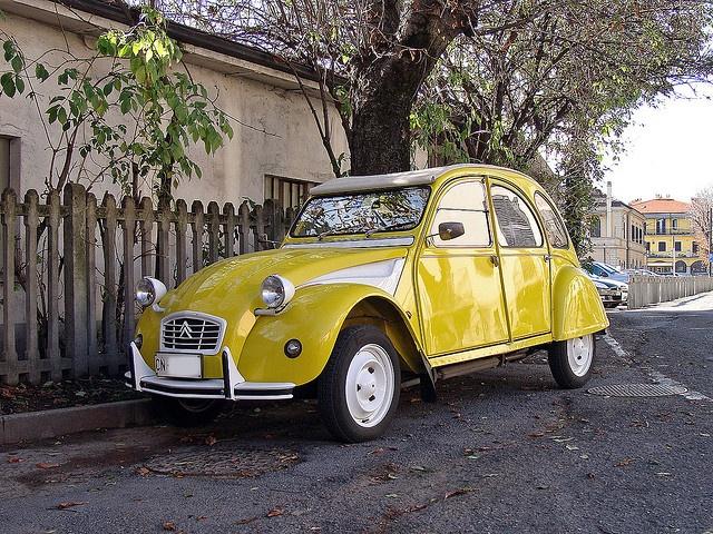 Citroën 2CV Spécial - Kitty's car