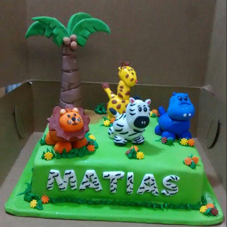 Cake animals lion fondant