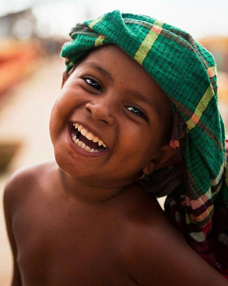 """Post #: """"O dia só começa depois do primeiro sorriso. O sor..."""