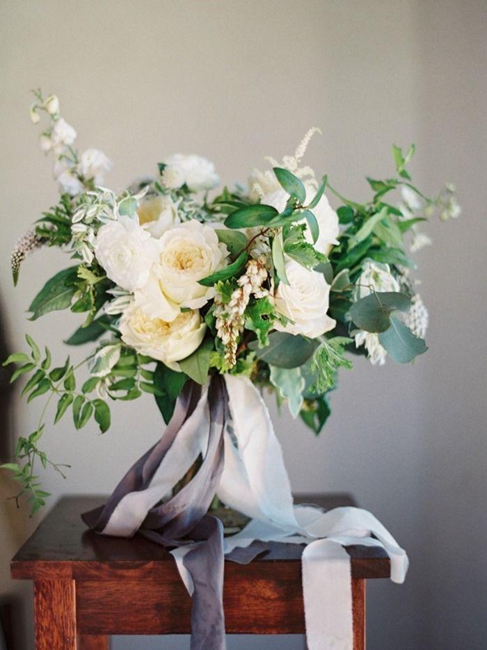 White Bouquet | Tinge http://tingefloral.com/ | D'Arcy Benincosa Photography http://www.benincosaweddings.com/