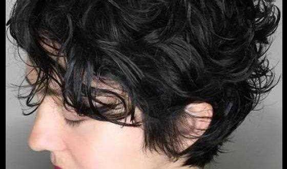 134 Leicht zu erreichen und trendige, kurze, lockige Frisuren für 2019