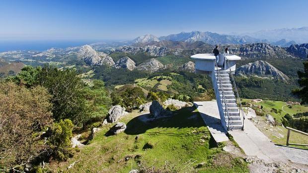 El Mirador del Fito, con el espectáculo de los Picos de Europa como telón de fondo
