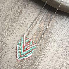 .. collier franges en perles miyuki .. ideal pour offrir ou se faire plaisir ;)