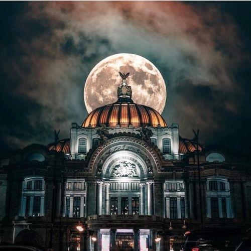 ¡Buenas noches!  Palacio de #BellasArtes #cdmx #neomexicanismos...