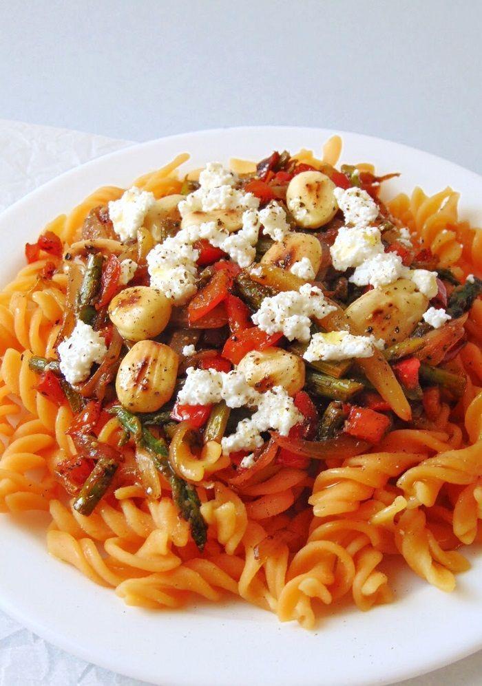 Pasta De Lentejas Con Verduras Y Almendras Receta De Tasty Details Receta Lentejas Con Verduras Verduras Salteadas Lentejas