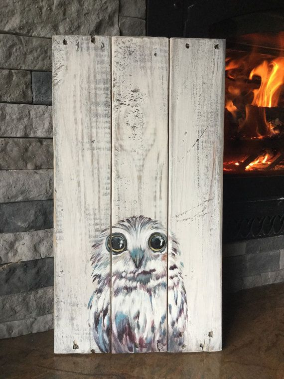 Hand painted Baby Owl on painted and distressed pallet wood. Approx 20 x 12. Ready to hang with cable across the back. Thanks!!  If you are interested in another color pallet I can do that...let me know