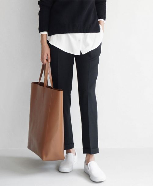 kombinace formalni a neturalni, dobry strih kalhot, delsi volny top a svetr, prakticka taska, barvy pekne ale moc cerne na me