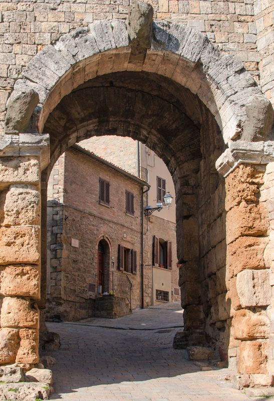 Porta dell'Arco, Etruscan Gate,  Volterra, Pisa, Tuscany. 3rd-2nd century BCE.