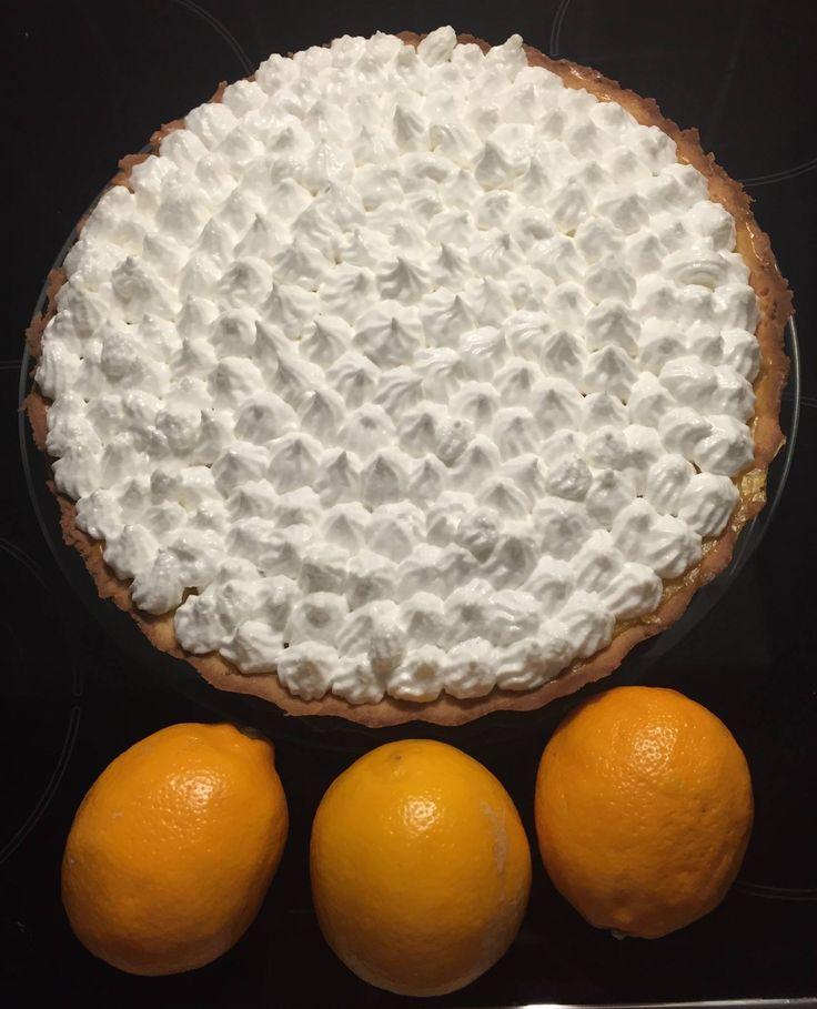 Meyer lemon merinque pie