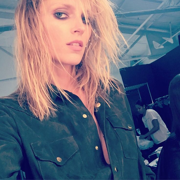 Anja Rubik in La Mania's green shirt