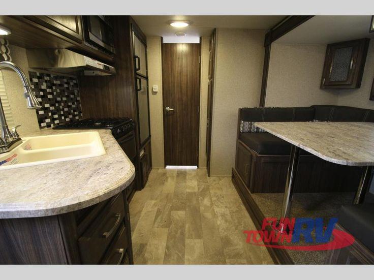 New 2017 Coachmen RV Apex Ultra-Lite 215RBK Travel Trailer at Fun Town RV   Cleburne, TX   #140936