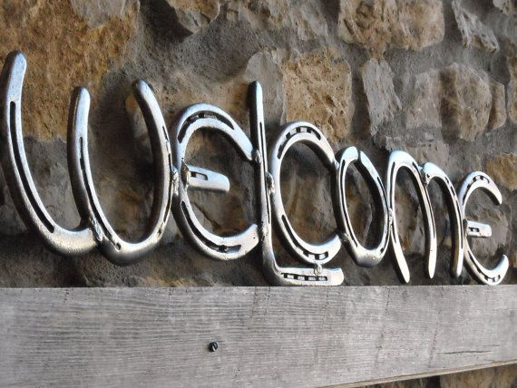 Horse shoe welcome sign upcycled shoes things to make for Things made from horseshoes