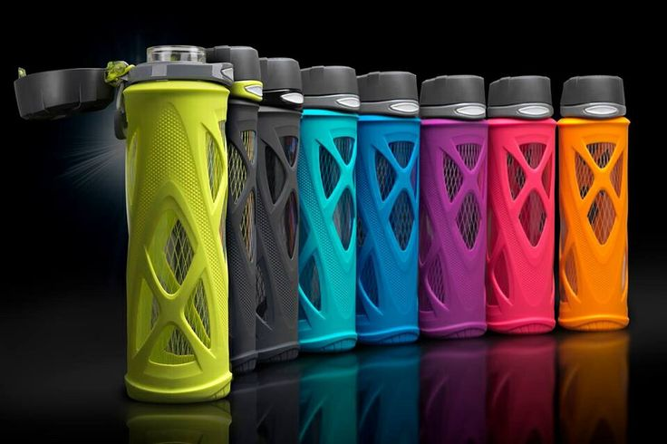 ZULU Athletic glass water bottles. Awesome water bottle for adding essential oils in! Want every color :)