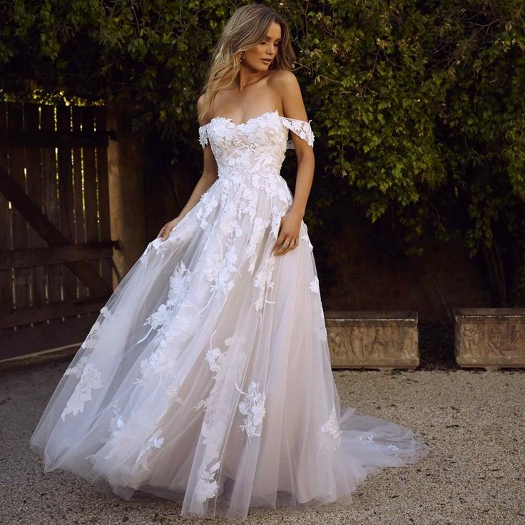 The Sales Rack-Lace Bridal Dress with off the shoulders appliques A Line Princess style