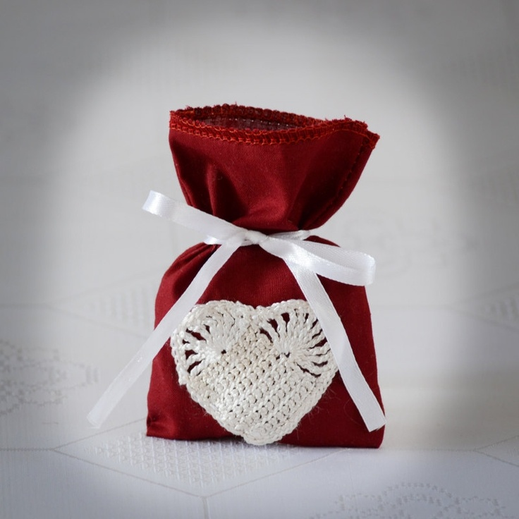 SET OF 25 Rustic Wine-red  Wedding Favor Bag or Gift Bag 3x5 inches with crochet heart.