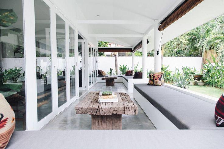 Bekijk deze fantastische advertentie op Airbnb: FELLA Luxury Beach Villa Canggu - Villa's te Huur in Kuta Utara