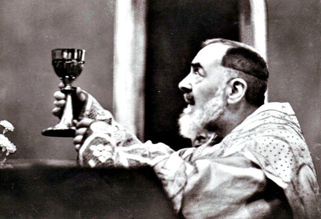 Se scopri come Padre Pio celebrava la S. Messa, capirai facilmente perché è diventato Santo