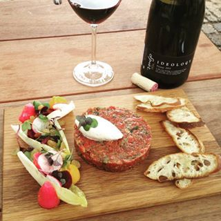 Spier Ideology Pinotage 2012 meets HogHouse Bakery & Cafe Beef Steak Tartar... A delicious pairing! #wine #foodandwinepairing #foodandwine #beefsteaktartar #winefarms #lunchtime