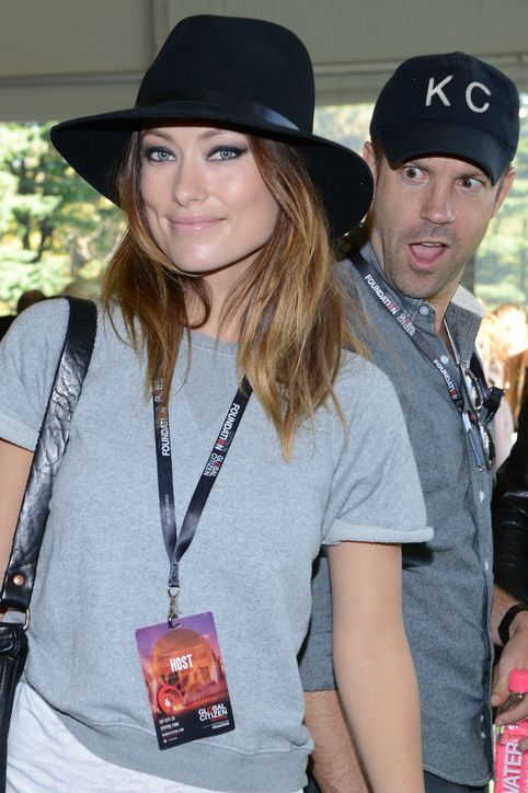 Even Jason Sudeikis can't fathom how Olivia Wilde's smoky eye is SO hot