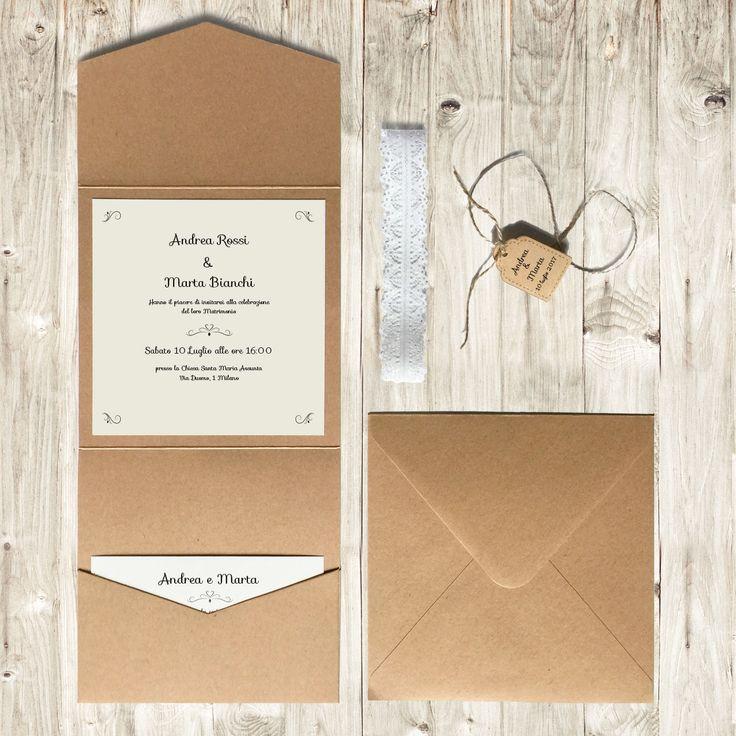 Partecipazioni con nastro in pizzo e spago con tasca. Completa di stampa, busta, tag esterno con nomi degli sposi e biglietto per il ricevimento.