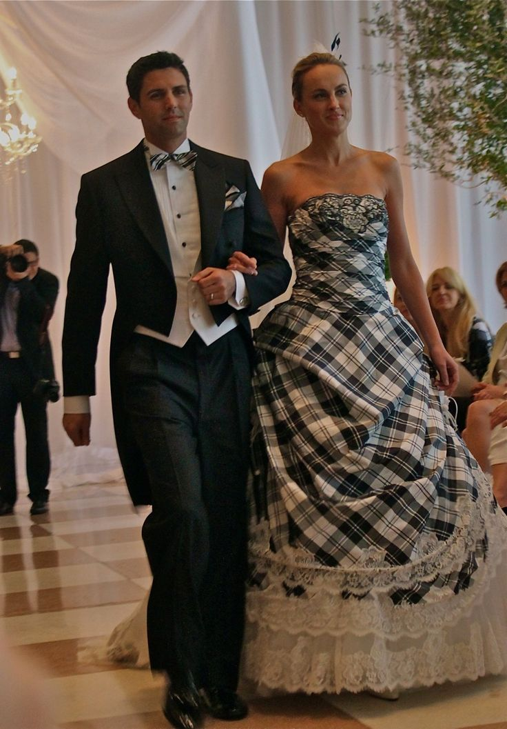 36 best images about tartan dresses on pinterest for Scottish wedding dresses with tartan
