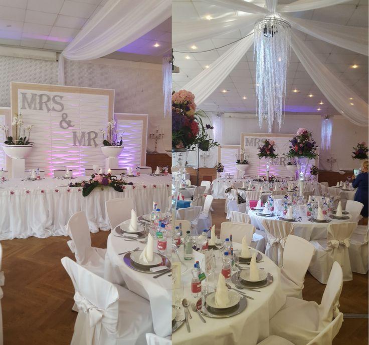 Geschmückter Hochzeitssaal / Wedding Decoration Weddingroom /