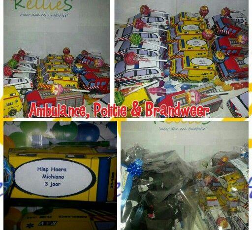 Ambulance,  politie en brandweer met gemengd snoep en een lollie.   Te bestellen bij KellieS Zonder inhoud 1,50 Met inhoud (cake, snoep, rozijnen e.d.) 2,00  Prijzen zijn excl. BTW