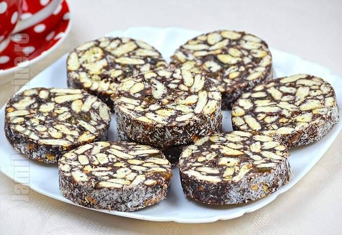 Salam de biscuiti – reteta video via @JamilaCuisine