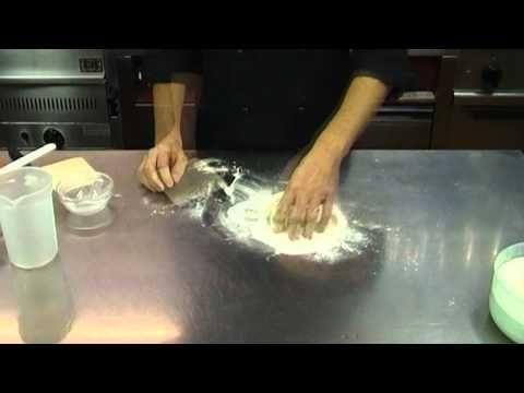 Come conservare e rinfrescare la pasta madre o lievito naturale - YouTube