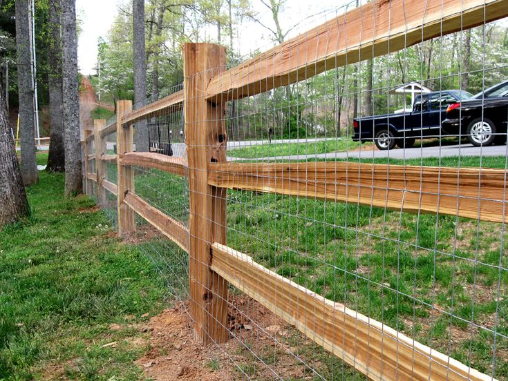 I Love This Fence And The Nice Hidden Wire Fence Behind It To Keep - 5 backyard fence types