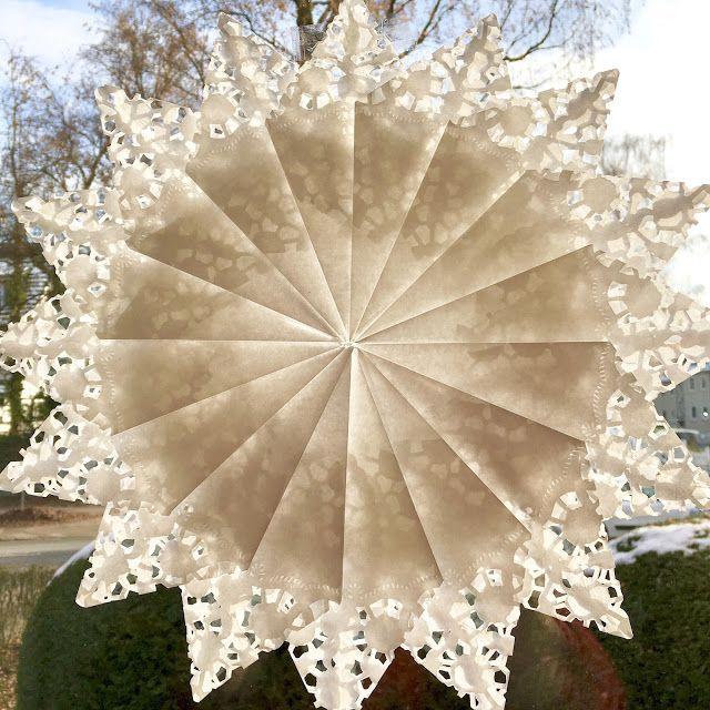 Frische Brise: Fenstersterne aus Spitzenpapier