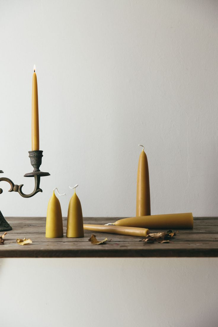 Pure English beeswax stubby candles. Hand dipped in natural golden tones with a subtle honey scent. These beautiful candles will glow and fill your room with the warming sweet scent that only those wonderous little bees can create.