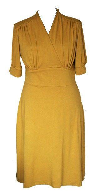 Jurk Daisy - Swing Dress in de kleur mosterd geel. De Swing Dress is een typisch jaren '50 jurk. De jurk is elegant, klassiek en chique. De aandacht van de jurk ligt op de taille waardoor deze jurk het mooist staat bij een vrouw met een mooie taille. De Swing Dress is geschikt voor alle maten. Bovenstuk getailleerd met plooien vanuit schouderpas en taille. De jurk heeft een wijdere rok. Het laat je vormen beter uitkomen. Een jaren '50 jurk met de comfort van nu. De tailleband is extra…