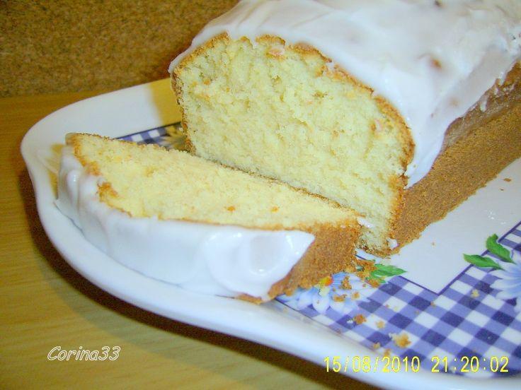 Lemon cake glazurat
