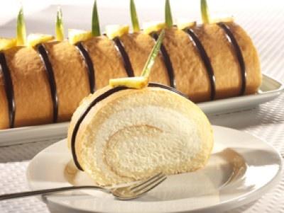 Ananásová roláda - Slovakian pineapple cake roll.